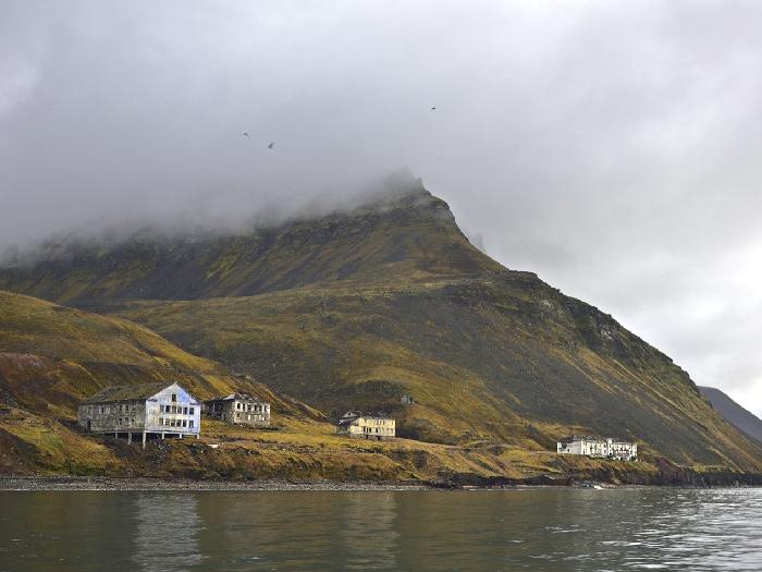 Грумант шахтёрский посёлок. Грумант на архипелаге Шпицберген