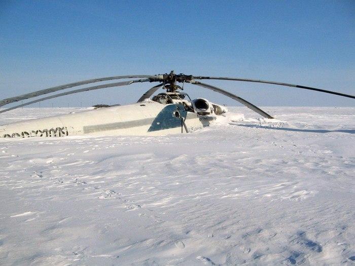 Замерзший вертолет