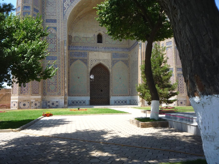 Внутренний двор медресе