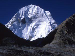 Высота этой горы до сих пор остаётся спорной