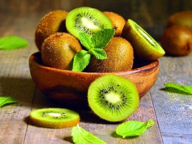 Киви фрукт или ягода. Описание, польза и вред киви