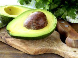Как есть авокадо в сыром виде правильно
