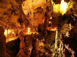 Мраморная пещера в Крыму. Описание мраморной пещеры.