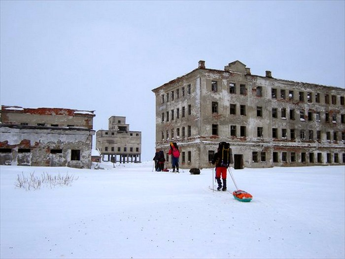 Брошенный военный городок на Ямале