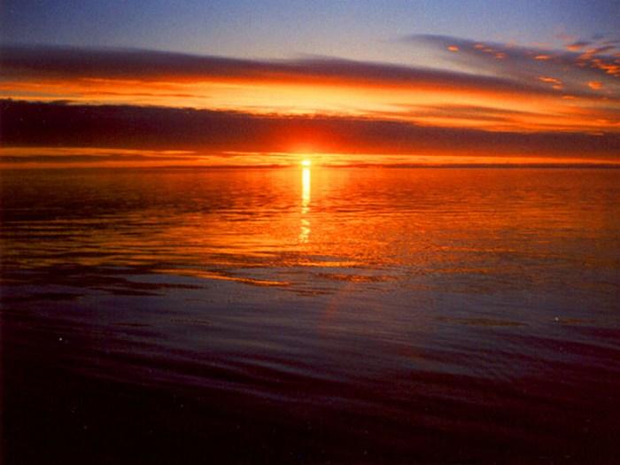 Закат на морем