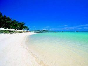 Бесконечные пляжи острова