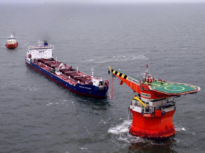 Нефть со дна Баренцева моря