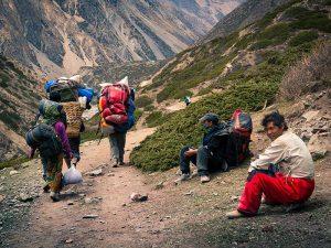 Непальские шерпы-портеры