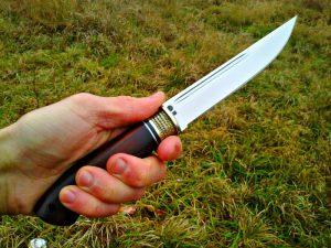 Нож для левши