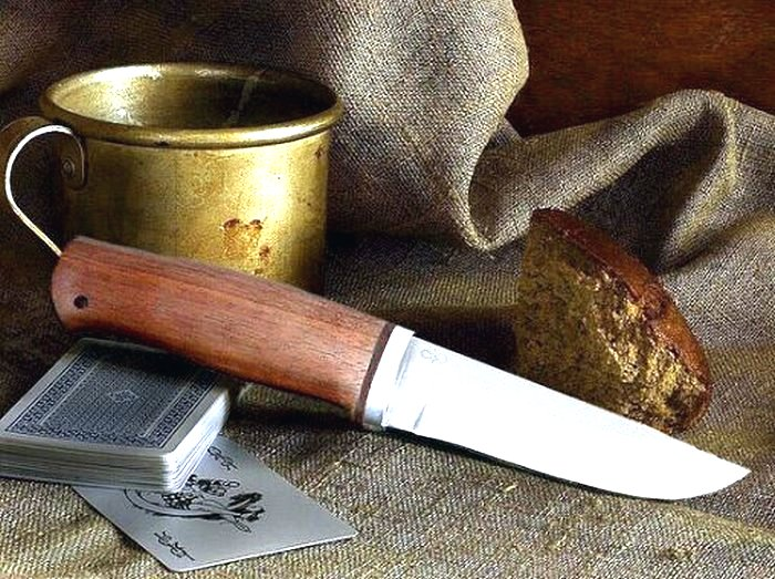 Нож Ганза