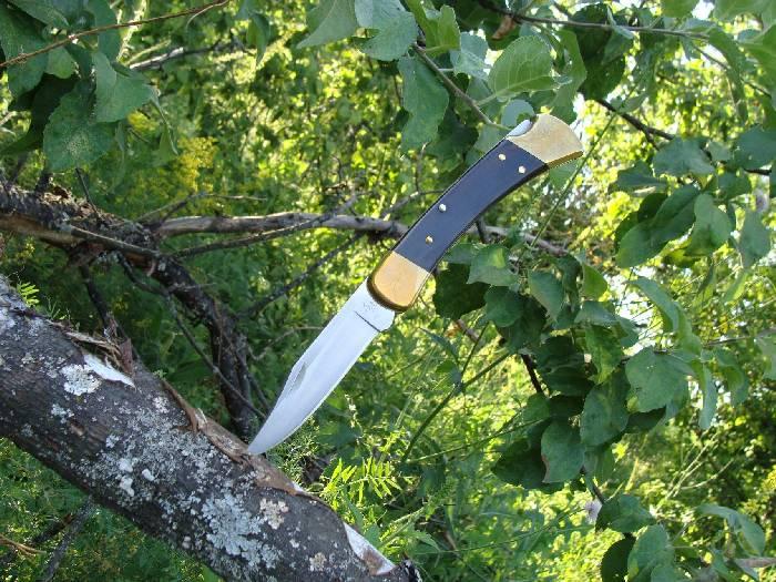 Нож на природе