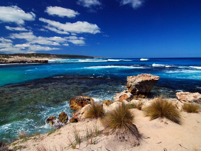 Остров, небо и океан