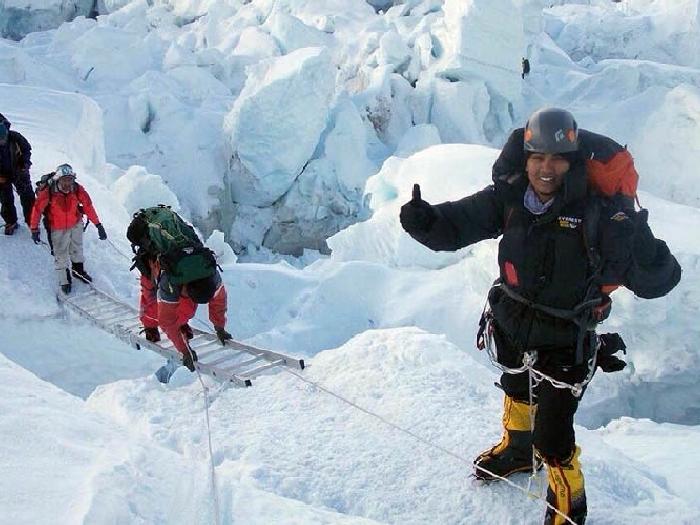 Полицейский на Эвересте