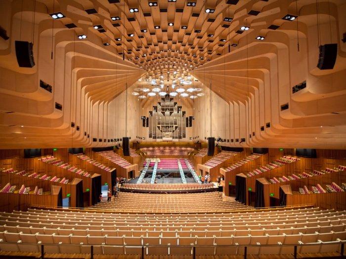 Внутри Сиднейского театра