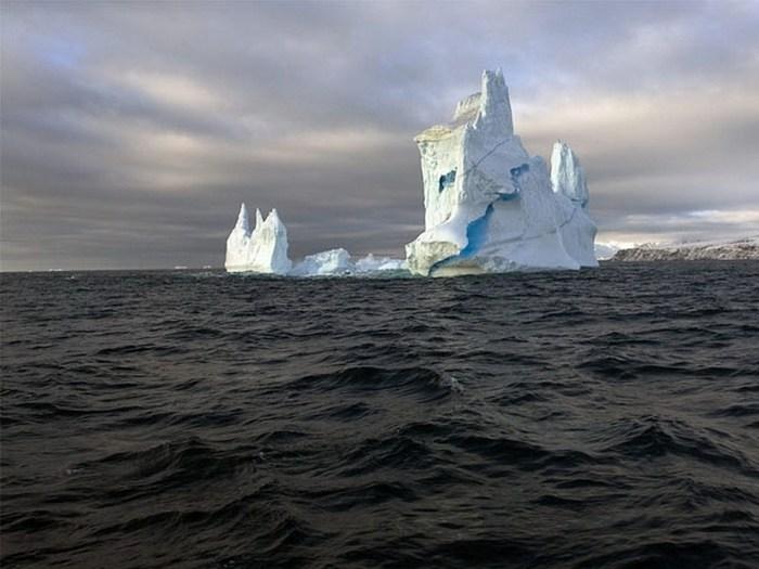 Синий лёд