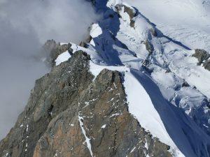 Снег и скалы