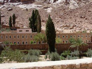 Там живут монахи