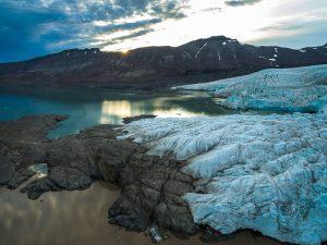 Скалы и лед