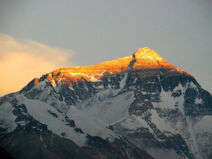 Величественный Эверест