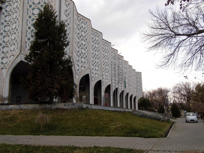 Центральный Выставочный зал Академии художеств Узбекистана