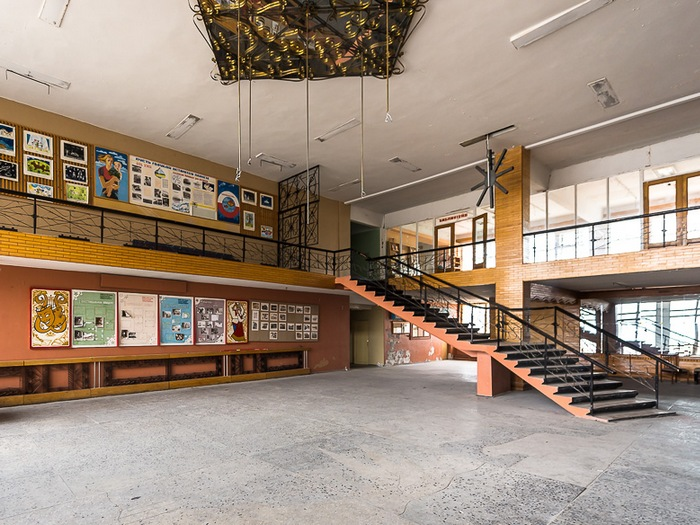 Фойе дворца культуры