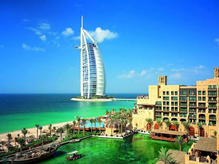 Небоскреб Парус в ОАЭ