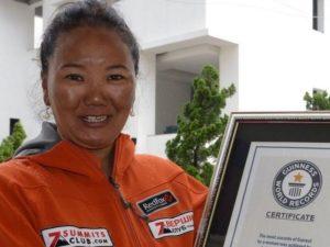 Лакпа Шерпа в девятый раз взошла на Эверест