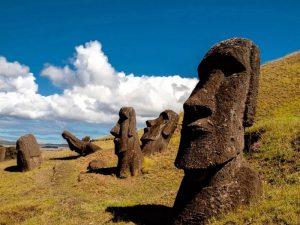 Величественные Моаи