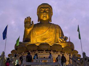 Будда на острове Лантау