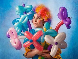 Аниматор с фигурами из шаров