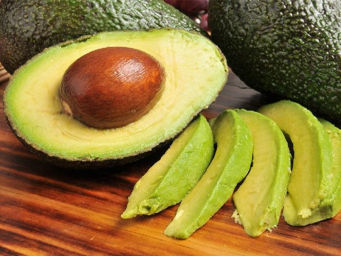Фрукт авокадо