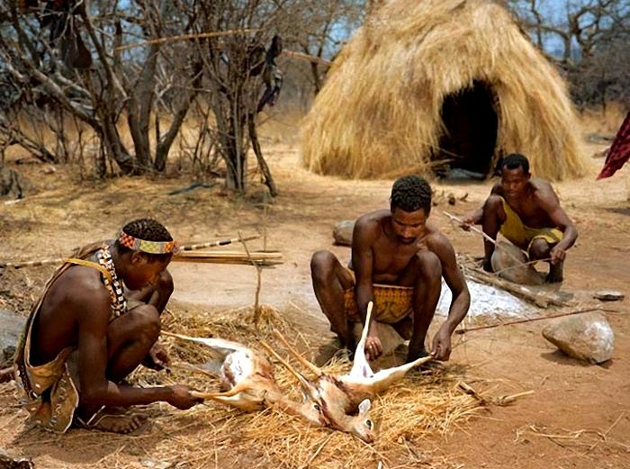 скрытая камера обичаи диких племен африки